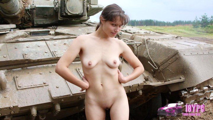 Naked girl on the tank - erotic photoshoot